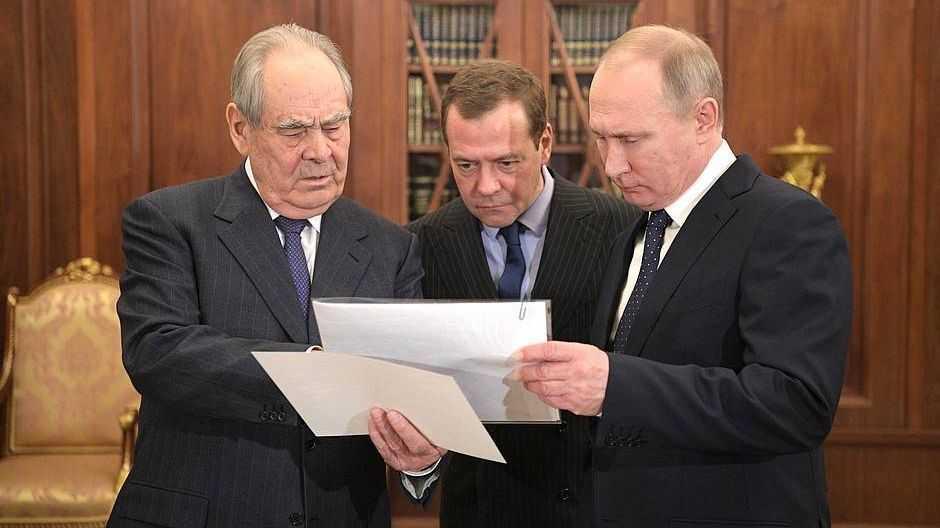 Минтимер  Шаймиев, Дмитрий Медведев и Владимир Путин