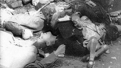 Польские гражданские лица, убитые войсками СС в ходе подавления Варшавского восстания. Август 1944 года