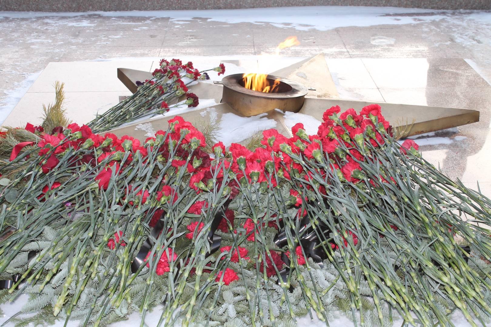 Вечный огонь на Мемориале Славы г. Бердск