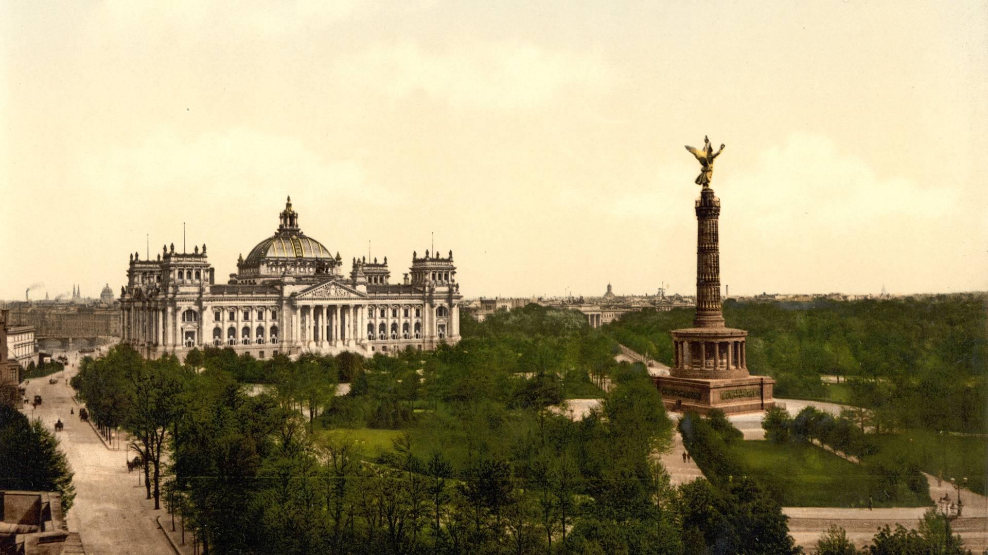 Колонна Победы в парке Тиргартен. Берлин.