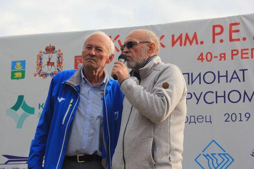 Яхтсмен Игорь Зарецкий (слева)