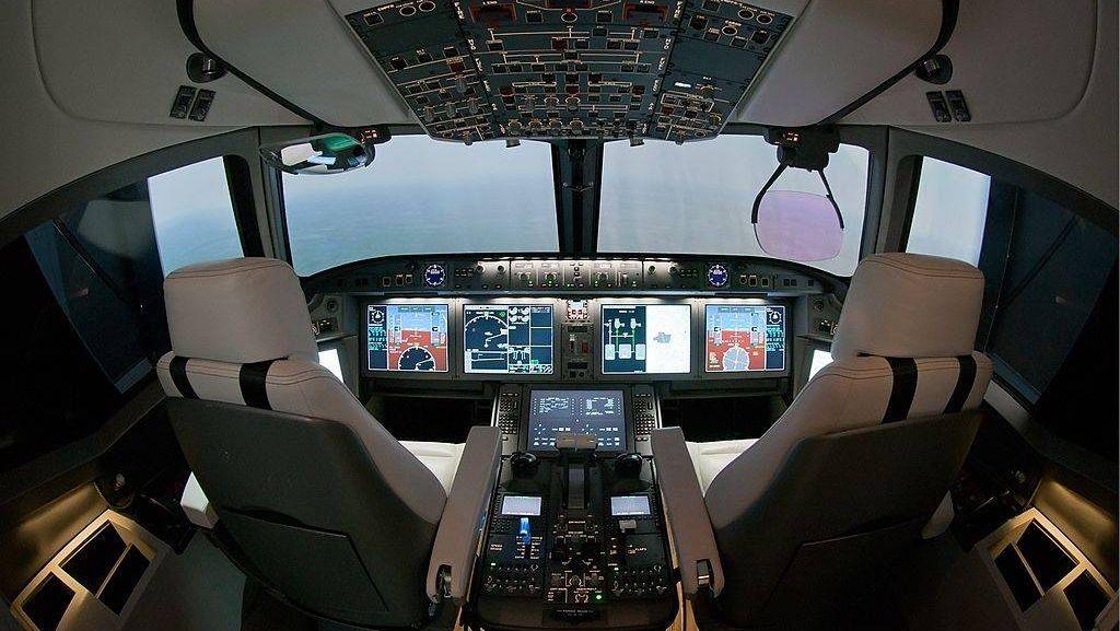 Кабина самолета МС-21