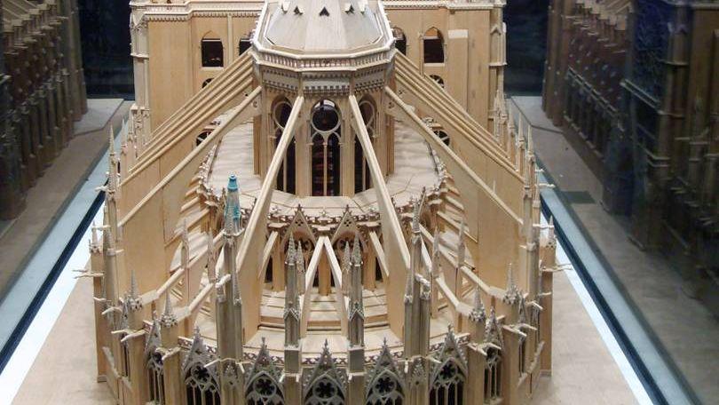 Фрагмент модели конструкций собора Нотр-Дам-де-Пари.