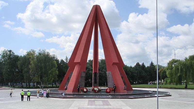 Мемориальный комплекс «Вечность» в Кишинёве в честь освобождения Молдавии