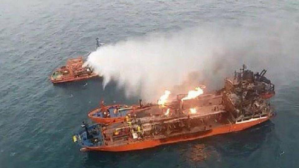Возгорание танкеров