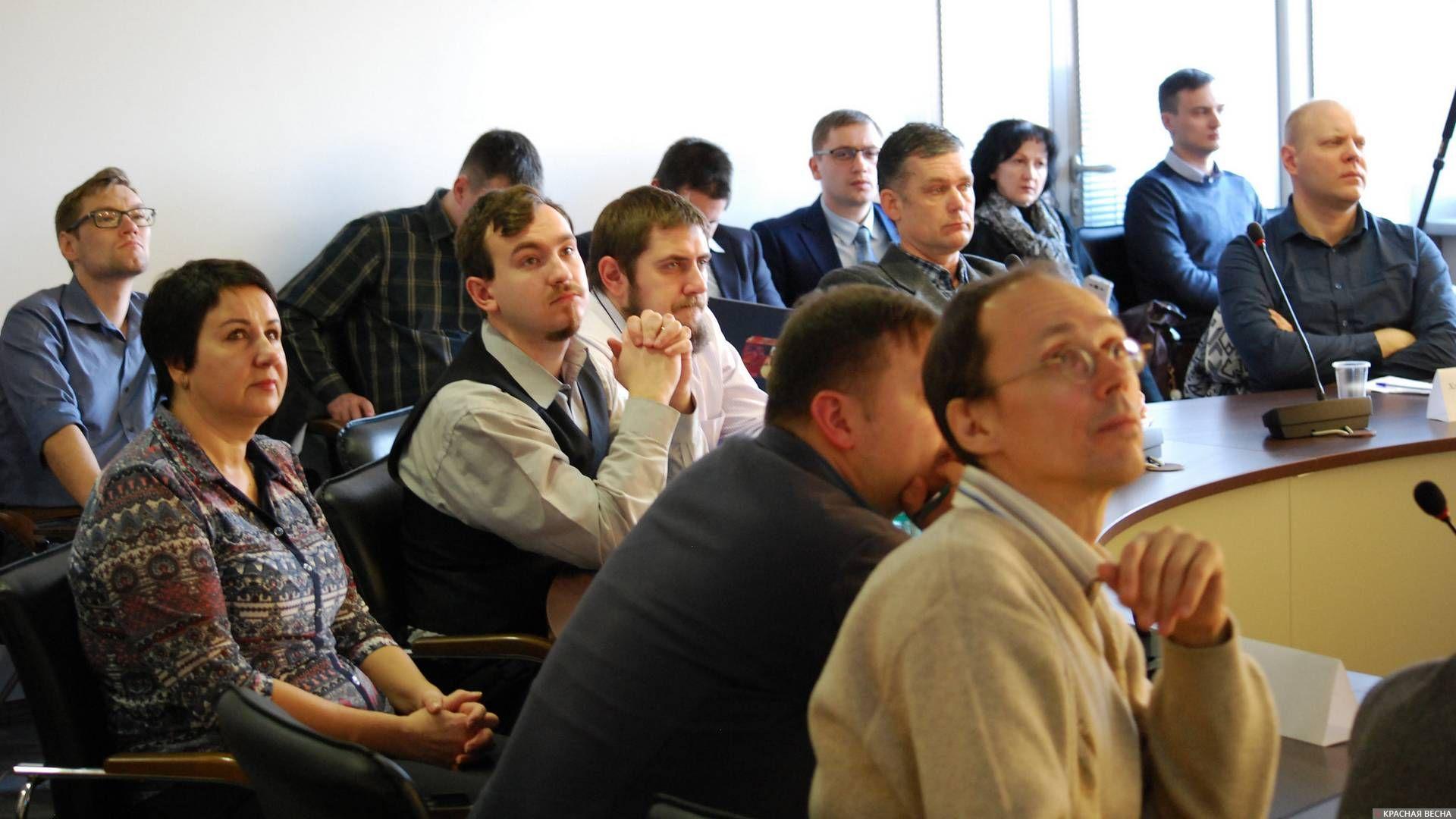 Участники дискуссионного круглого стола в Новосибирске