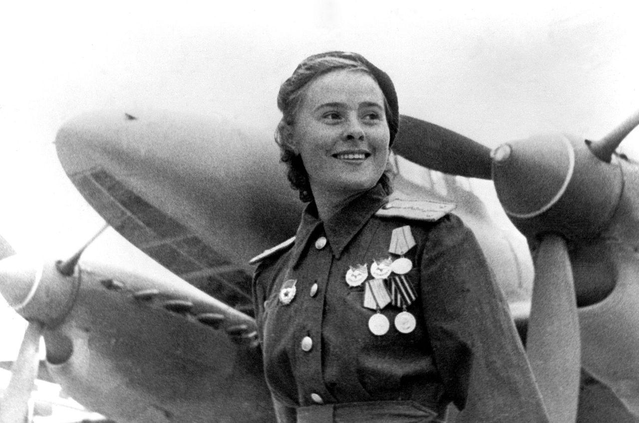 Советская летчица Мария Долина, 1944 г.