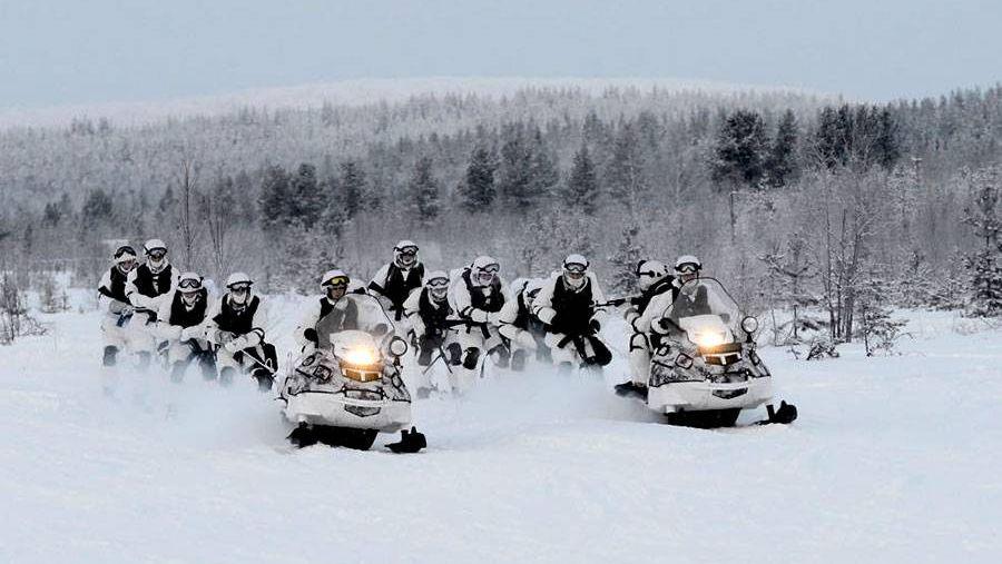 Разведчики на снегоходах А-1