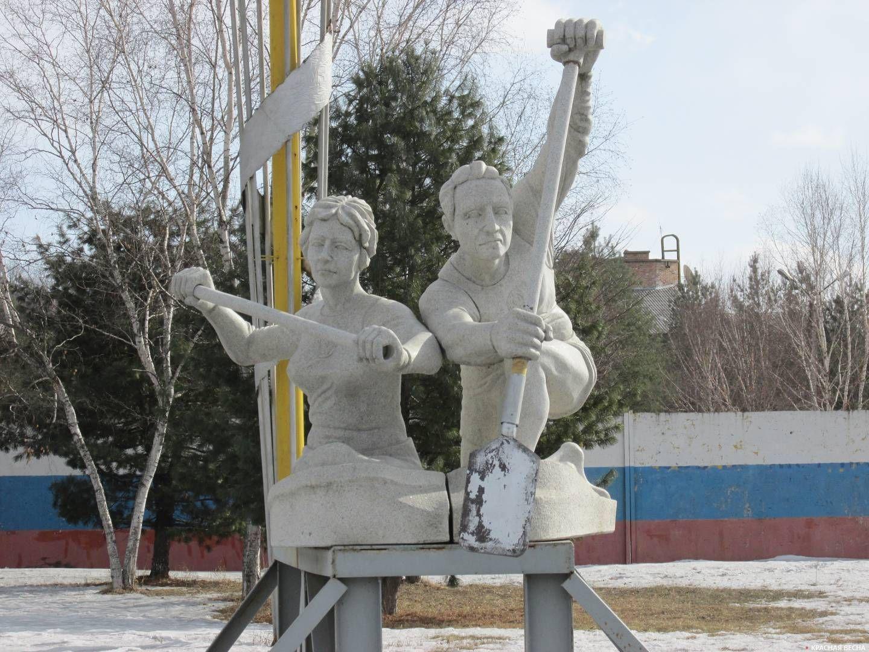 Олимпийская база по водным видам спорта. Скульптура. Приморский край. п. Лозовый. 12.02.18
