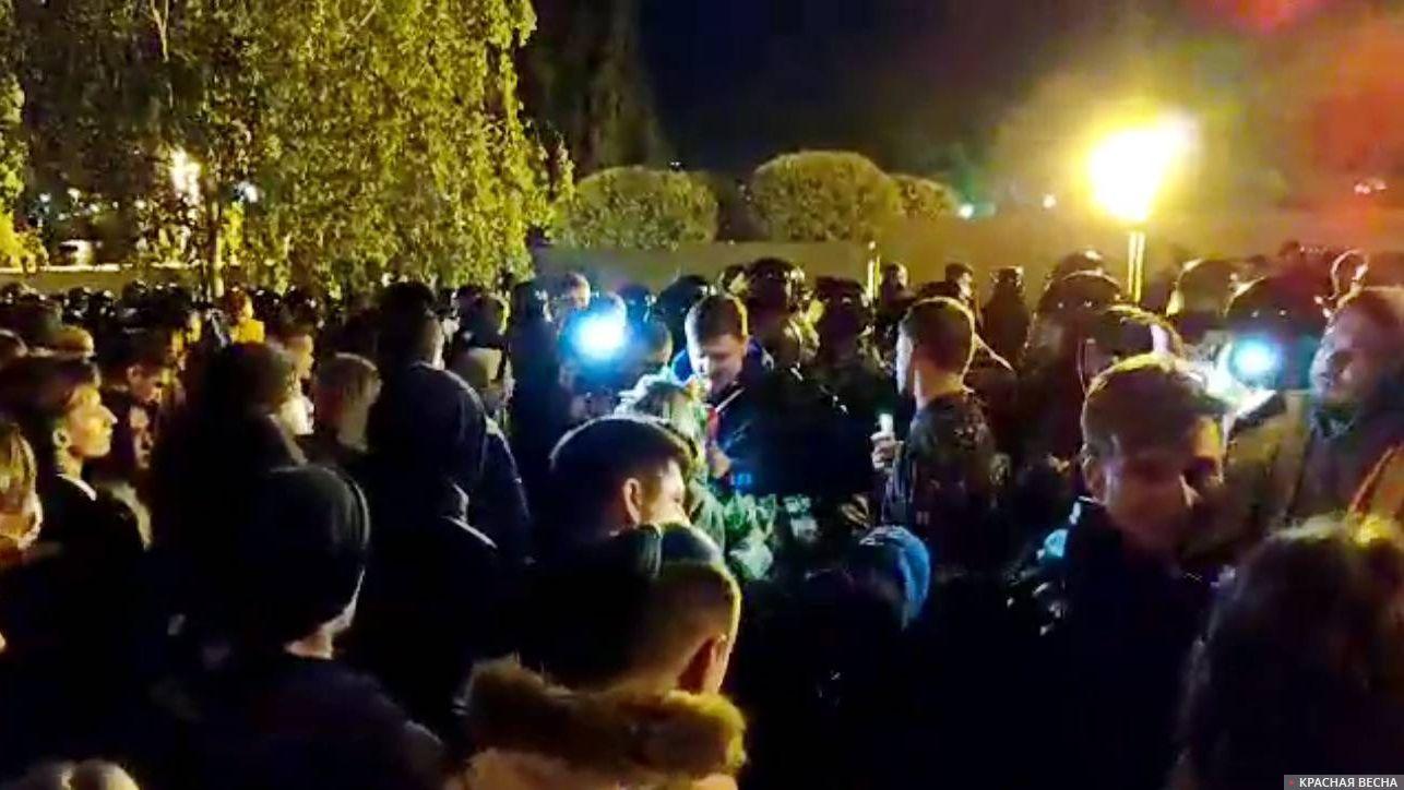 Протест против застройки сквера. Екатеринбург.