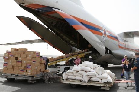 Гуманитарный груз в Йемене [mchs.gov.ru]