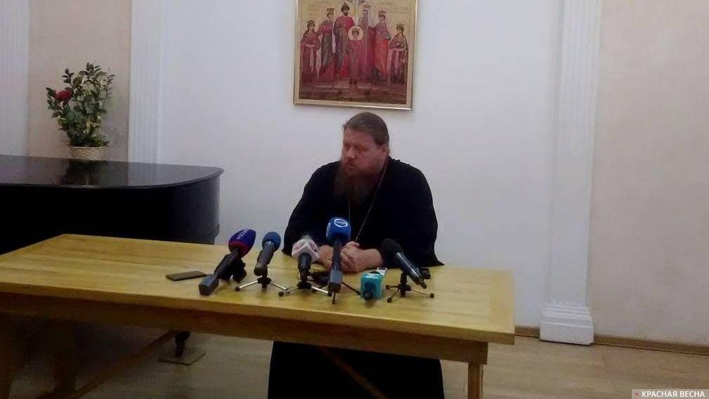 Глава отдела по взаимоотношениям церкви с обществом и СМИ Екатеринбургской епархии РПЦ Максим Миняйло