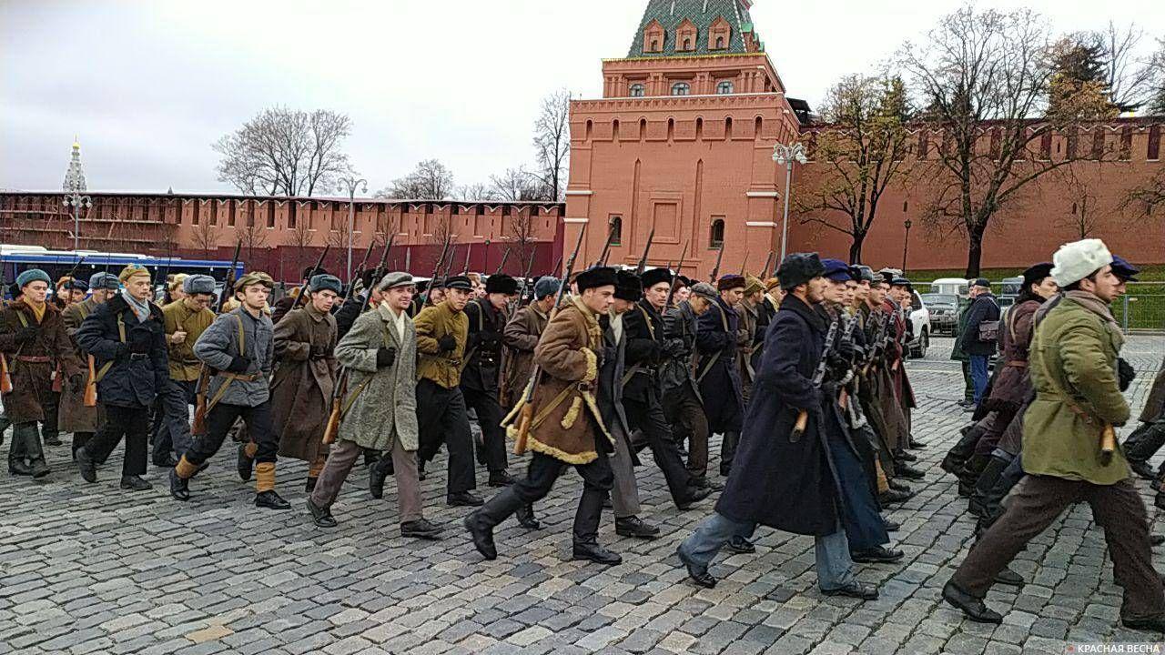 Подготовка к празднованию парада на Красной площади 7 ноября 1941 года