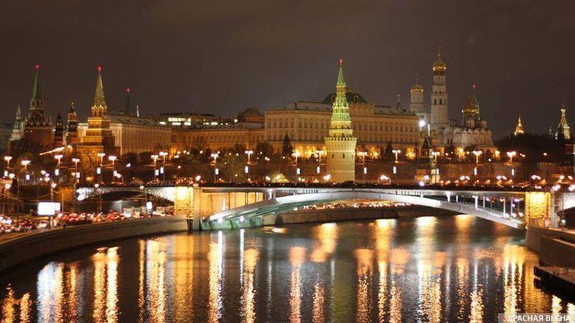 Вид на ночной Кремль. Москва