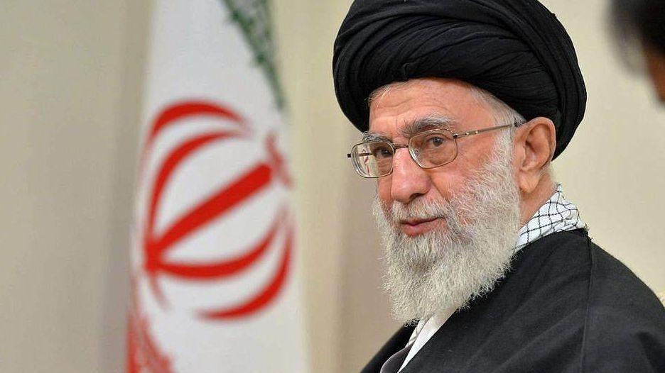 Верховный лидер Ирана призвал страны региона размышлять перед тем, как слушать США