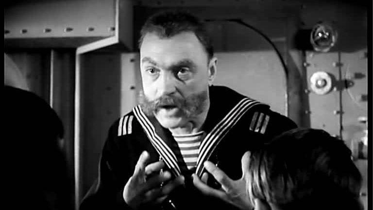 Унтер царского флота рассказывает матросам о еврейской угрозе.