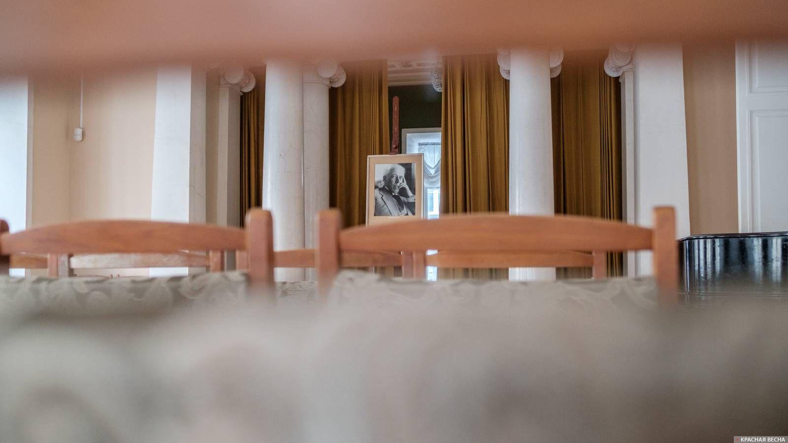 Сцена в доме-музее К. С. Станиславского
