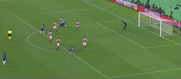 Нарушение в штрафной Арсенала, после которого был назначен пенальти и счет стал 3-0. Цитата из прямой трансляции матча на канале «Матч ТВ»