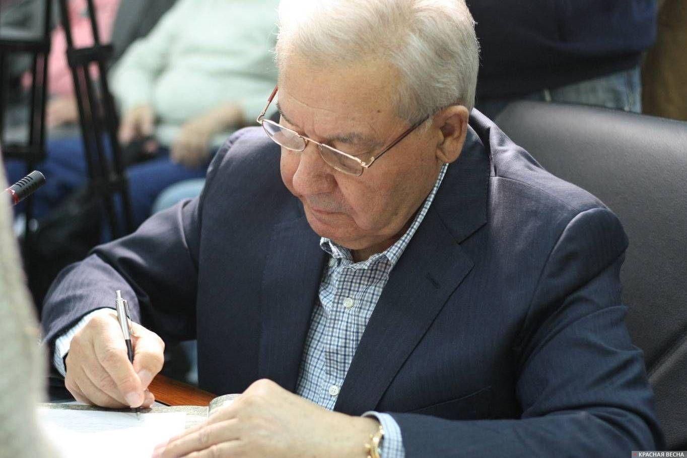 Леонид Полежаев на слушании по вопросу строительства Ильинской церкви