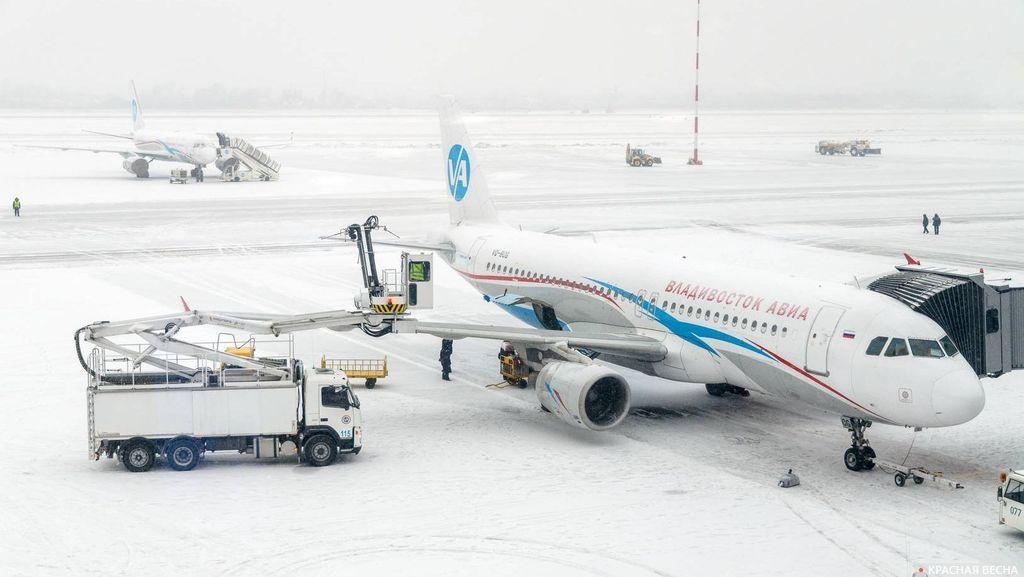 Самолеты зимой