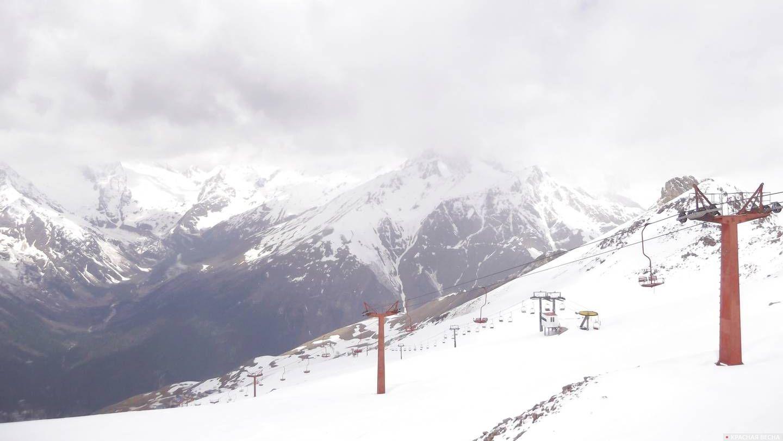 Канатная дорога в горах Домбая. Северный Кавказ