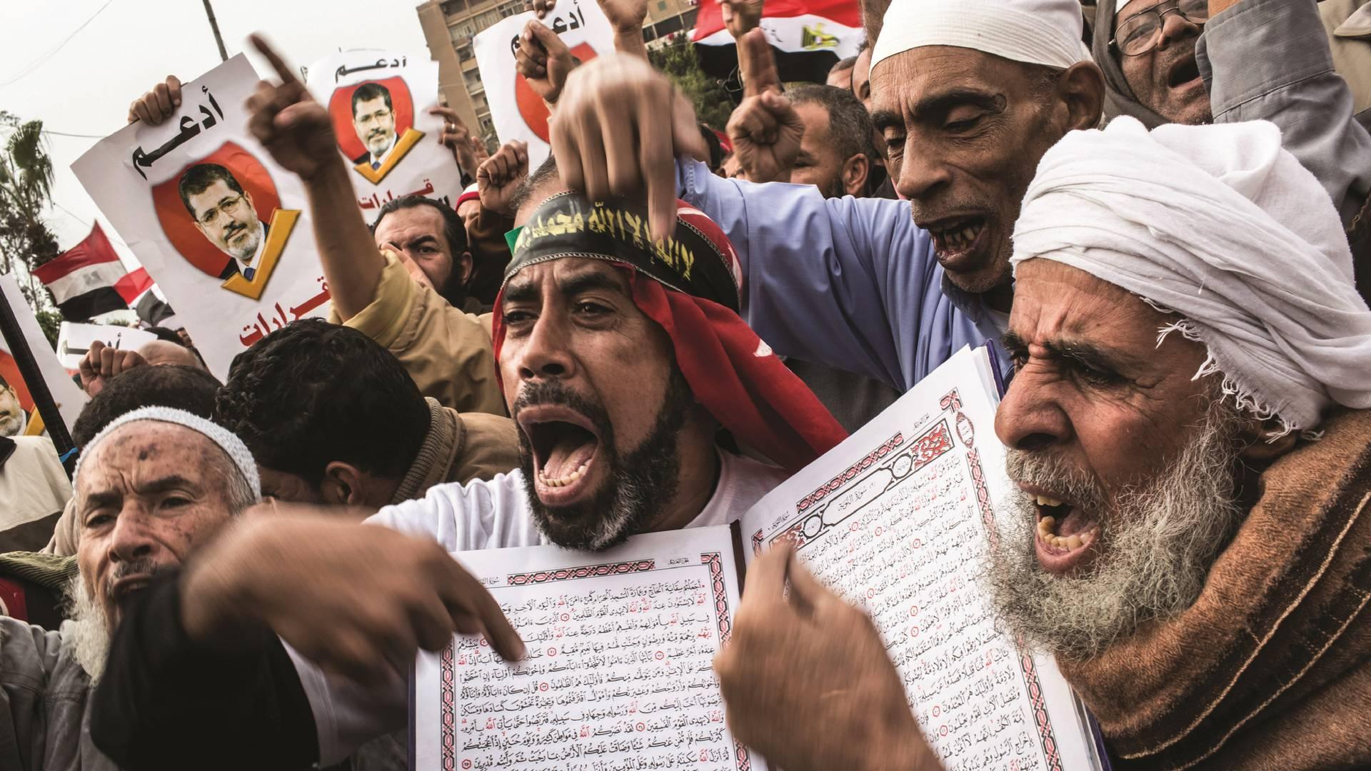 Протесты «Братьев-мусульман»* в Каире 14 декабря 2012 г.