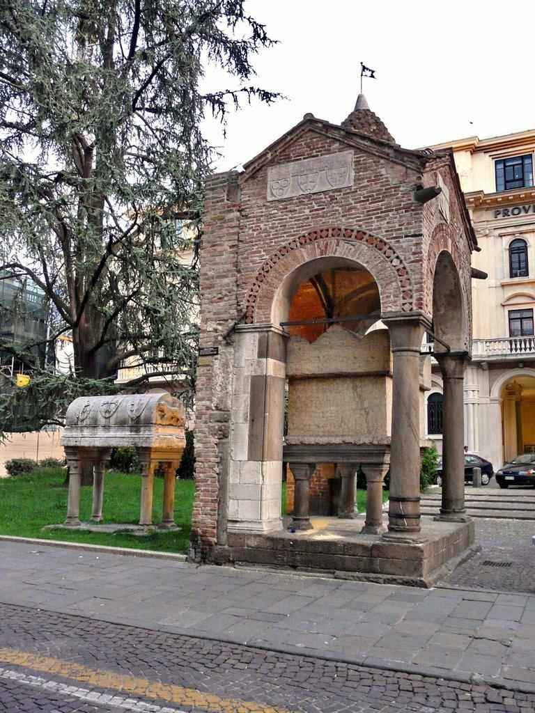 Гробница Антенора в Падуе