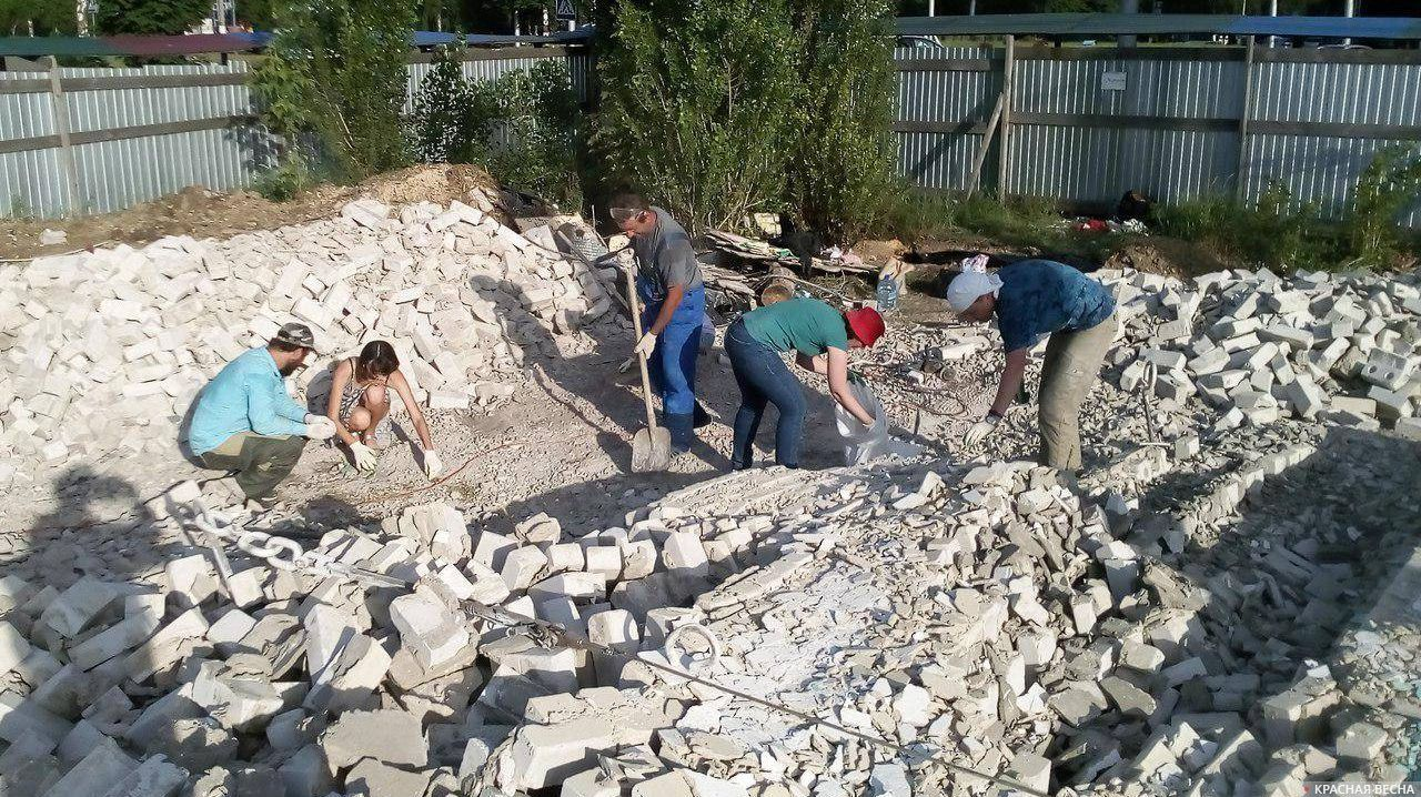 Извлечение мозаики из-под завалов
