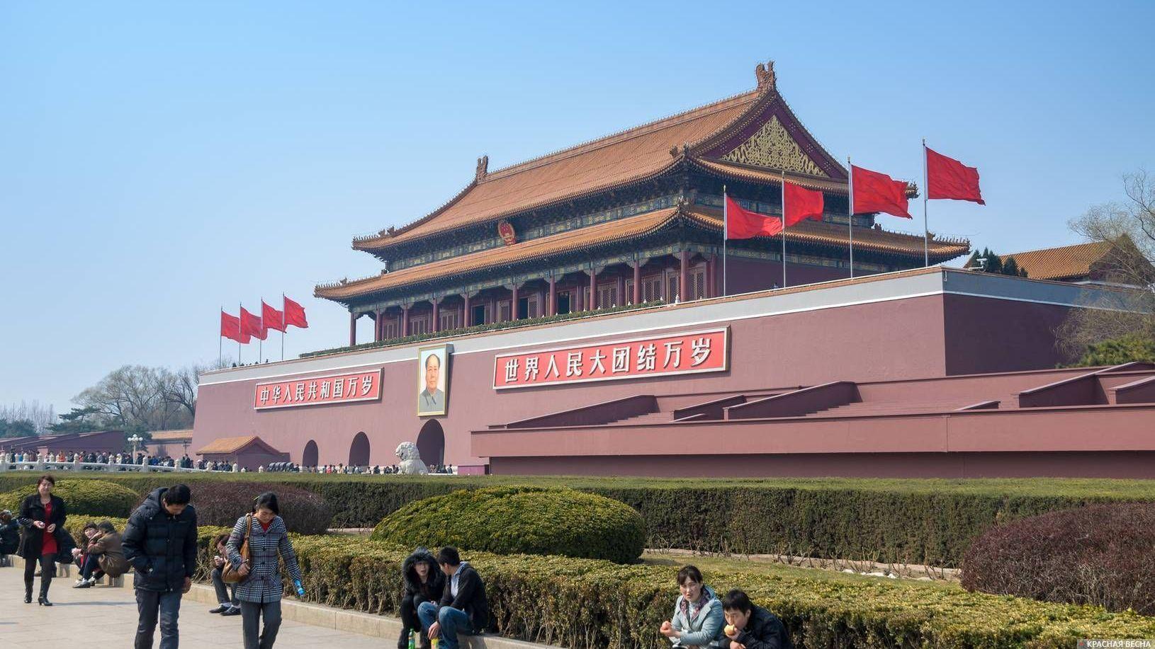 США устроили события наплощади Тяньаньмэнь— специалист