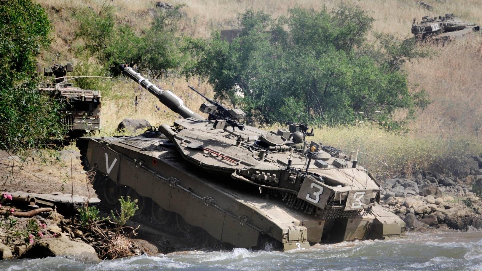 Израильские танки на голанских высотах