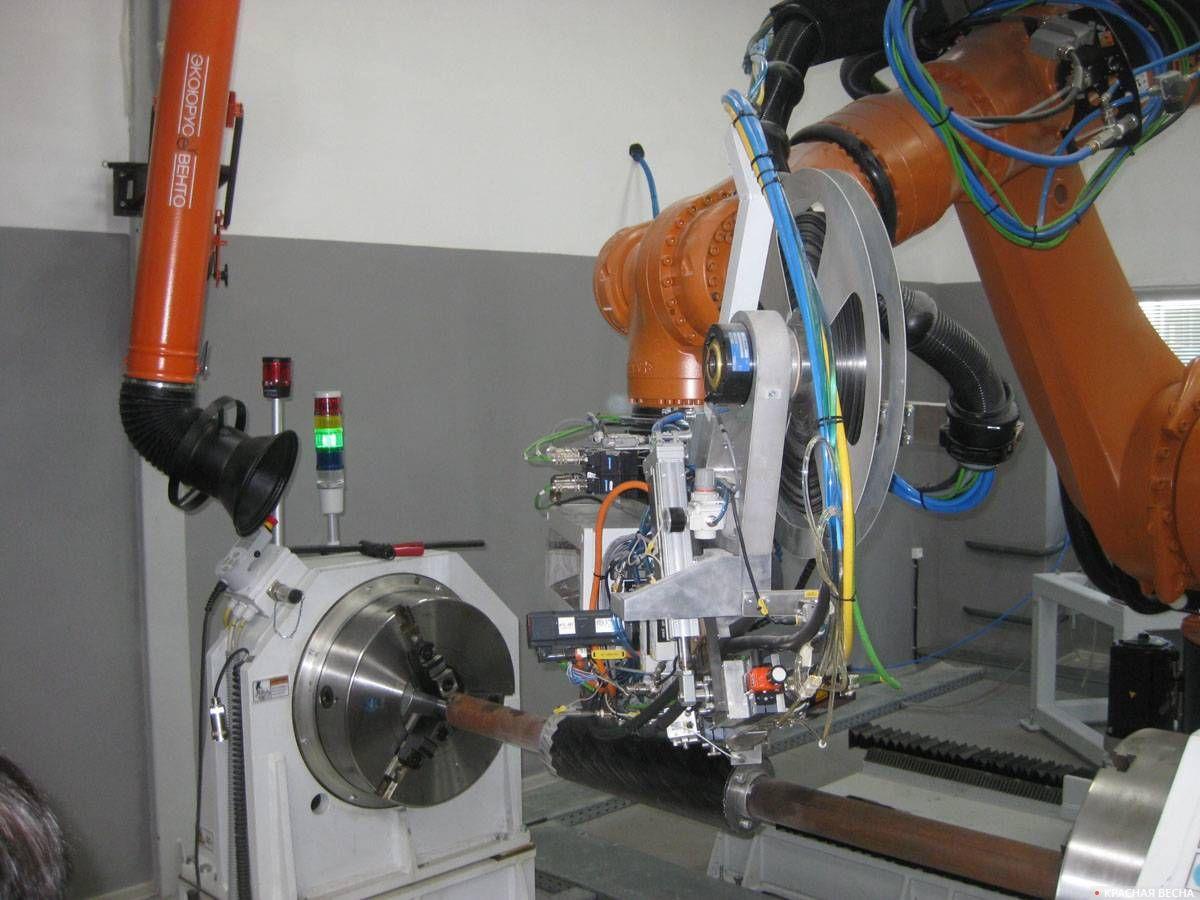 Робот для выкладки изделий из углепластика. 30.05.2019