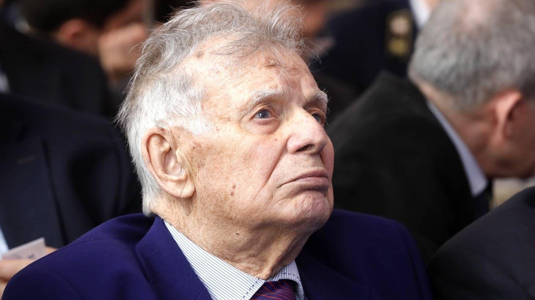 Жорес Алфёров
