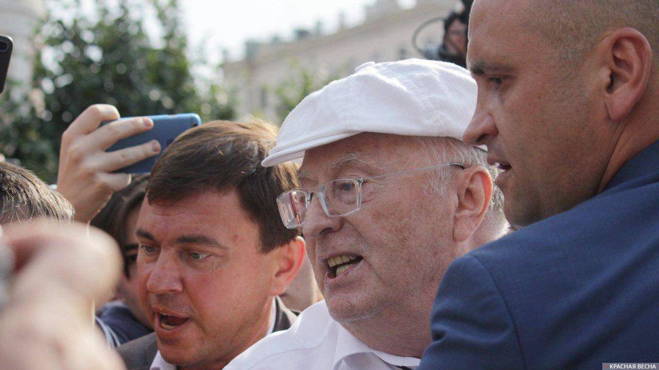 """Результат пошуку зображень за запитом """"жириновский на митинге подрался"""""""