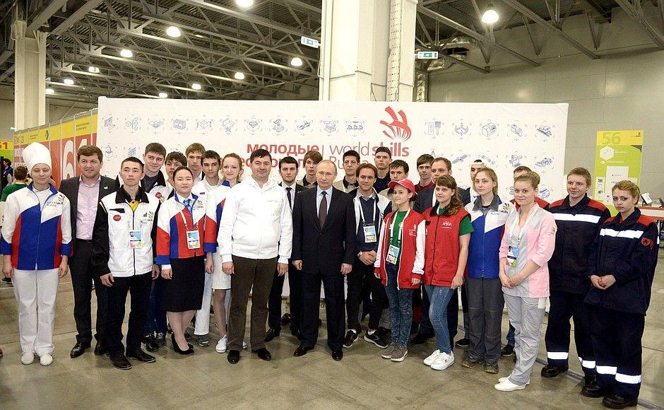 Во время посещения финала национального чемпионата «Молодые профессионалы» (WorldSkills Russia), 27 мая 2016 года