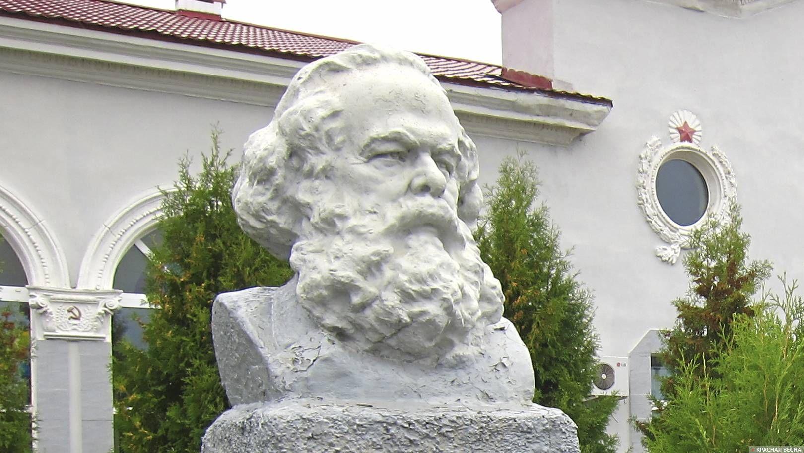 Карл Маркс. Ж.д. вокзал. Унеча. Россия.