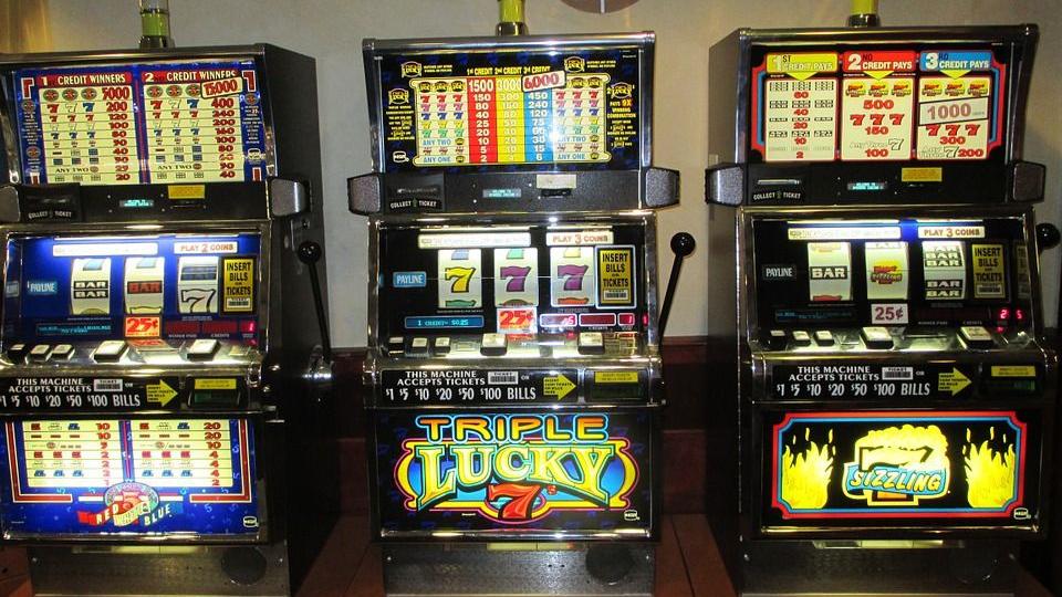 Как развести игровые автоматы онлайн стрип покер играть бесплатно