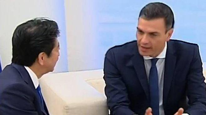 Встреча Синдзо Абэ с премьер-министром Испании Педро Санчесом