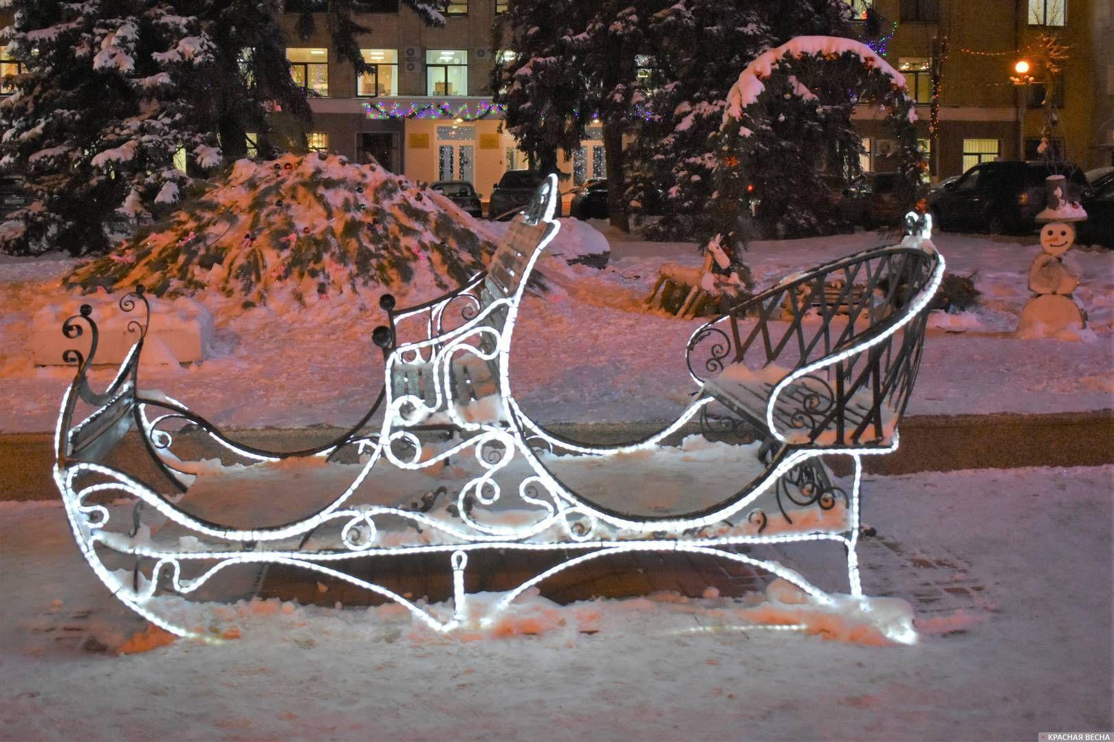 Новогодняя инсталляция в центре города Брянска