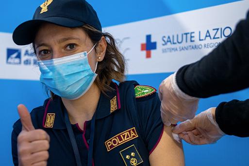 Вакцинация от COVID-19 в Италии