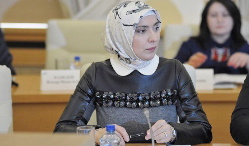 Всем вхиджабы! супруга дагестанского муфтия собралась впрезиденты РФ