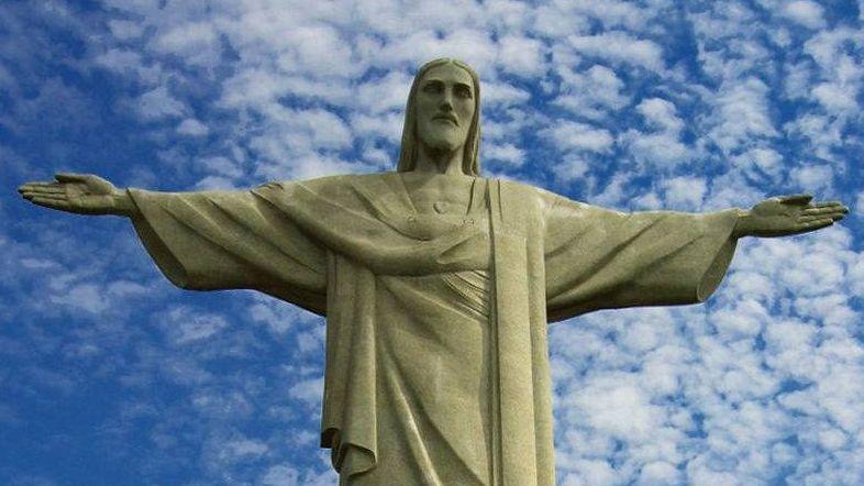 Статуя Христа-Искупителя в Рио-де-Жанейро. Бразилия