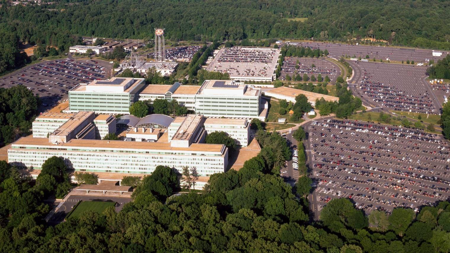 Общий вид комплекса зданий ЦРУ в Вирджинии