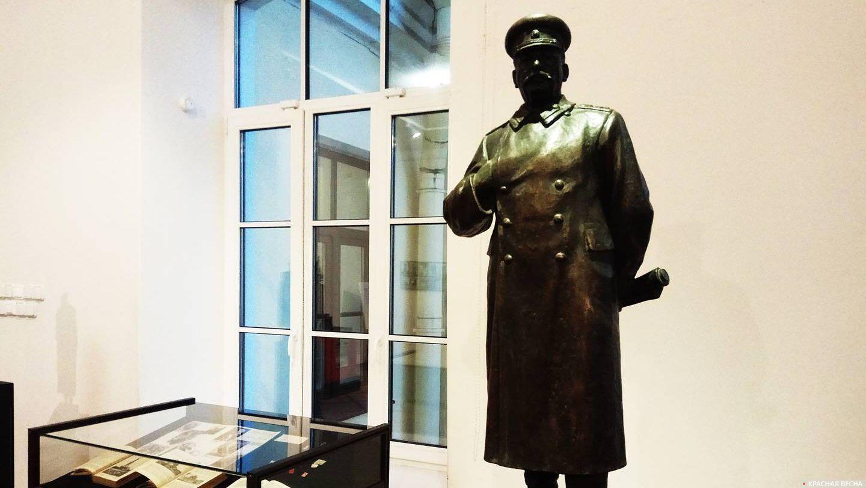 Модель памятника Сталину