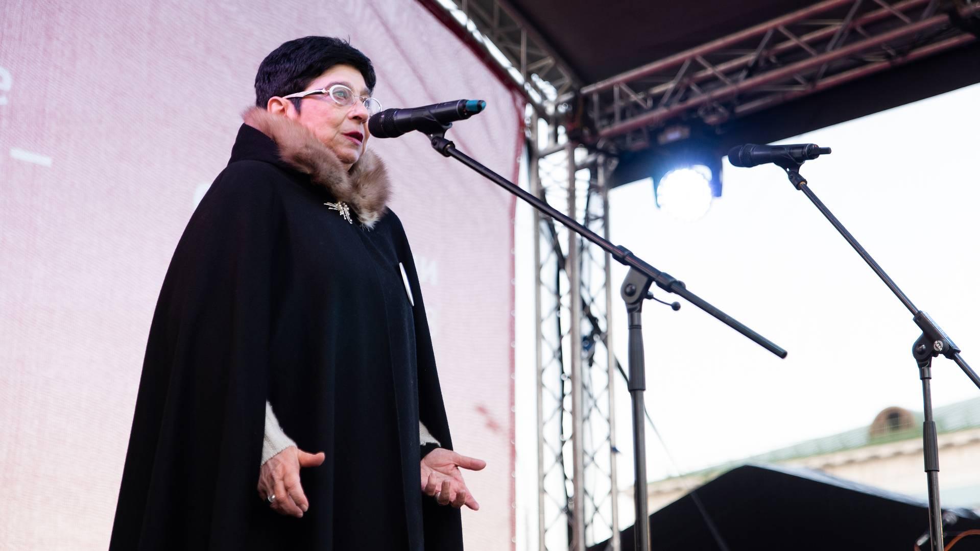 Мария Мамиконян на митинге «Сути времени» в Москве, 5 ноября 2018 г.