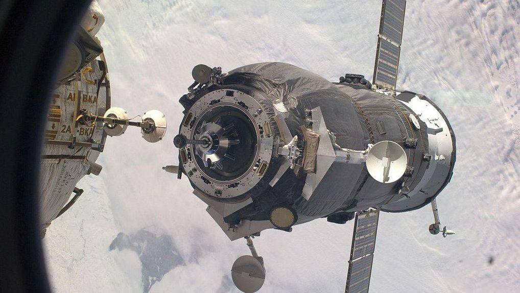 Стыковка на орбите