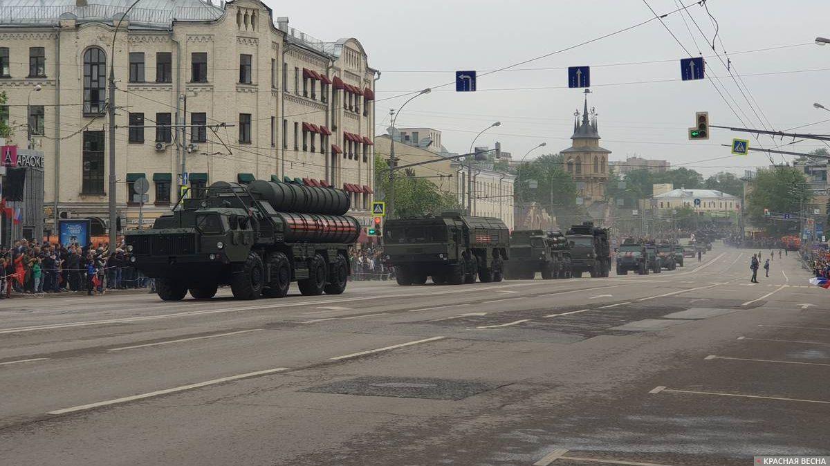 Москва. ЗРС С-400 «Триумф» на параде