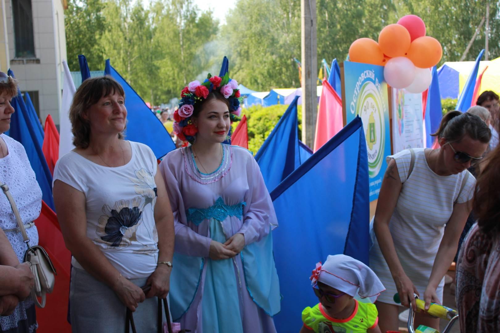 Жители Островского района на празднике