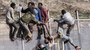 Борьба испанской гвардии с мигрантами