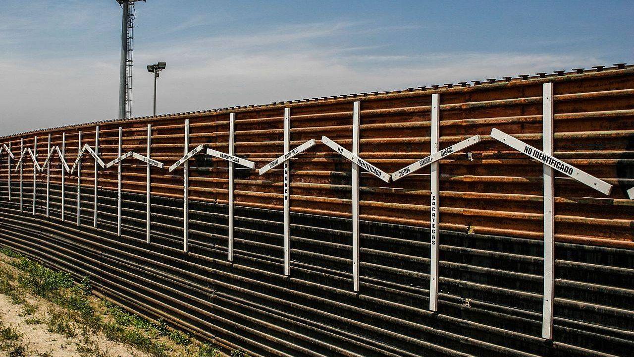 Мексиканская стена