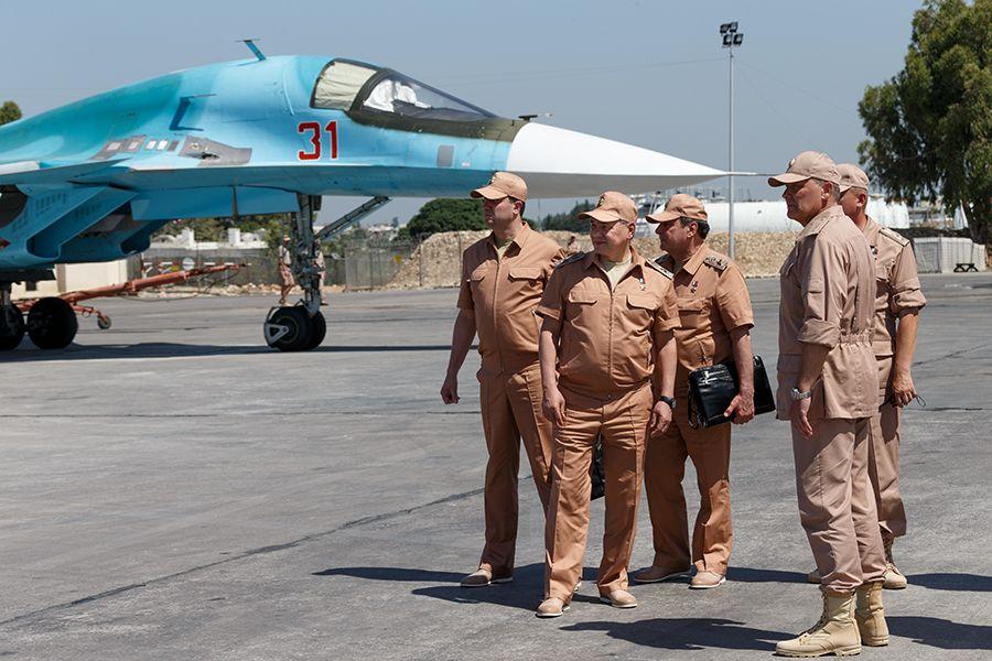 Министр обороны РФ Сергей Шойгу на авиабазе Хмеймим. Сирия, автор: mil.ru, лицензия: CC BY 4.0